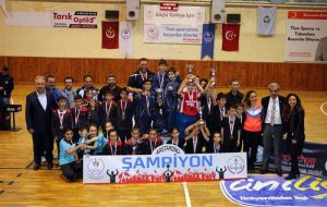 Fatih Sultan Mehmet Ortaokulu Satrançta il birincisi oldu.