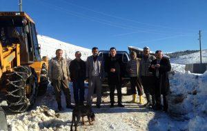 Devrekani'de kar nedeniyle kapanan köy yolları açılıyor..