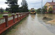 Devrekani'de yoğun yağış sonrası oluşan sel baskınları hayatı olumsuz etkiledi.. ( FOTOĞRAF HABER )