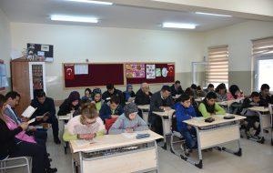 """""""Bana da Zaman Ayır""""Kitap Okuma Projesi Fatih Sultan Mehmet Ortaokulu'nda"""