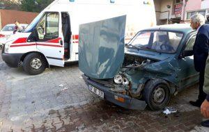 Konser Öncesi Devrekani TOBB MYO Önünde Trafik Kazası.2 Yaralı